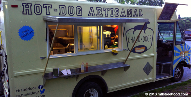 Chaud Dogs Food Truck Review